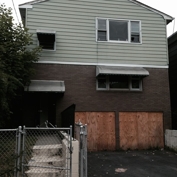 812 S 20th St, Newark, NJ 07108