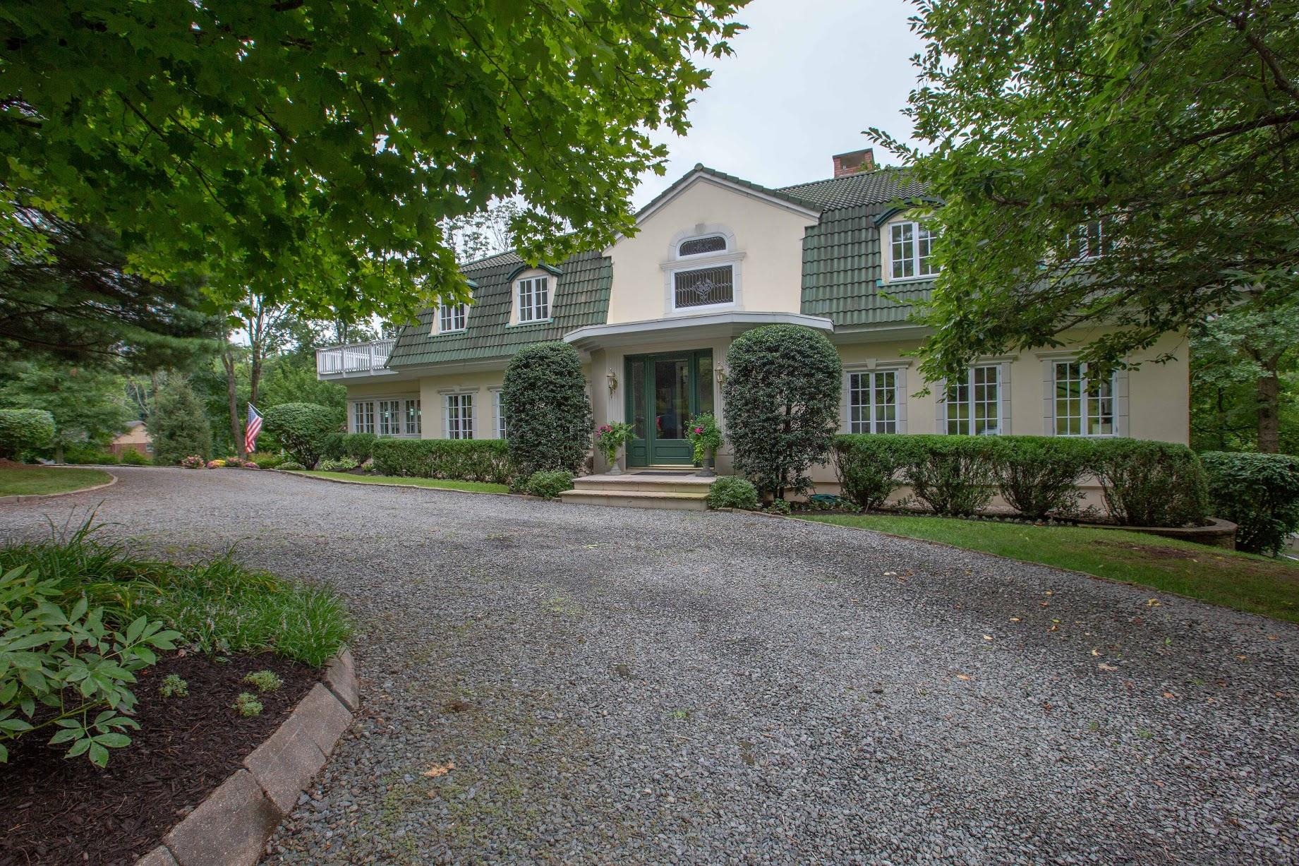 48 Poor Farm Road, Hopewell, NJ 08525